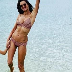Alessandra Ambrosio Bikini – Celeb Nudes