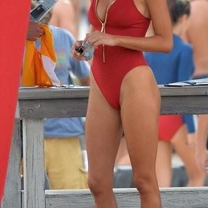 Alexandra Daddario Newest Celebrity Nude sexy 004
