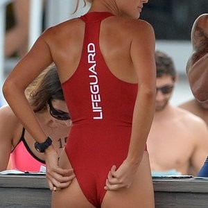 Alexandra Daddario Celeb Nude sexy 008