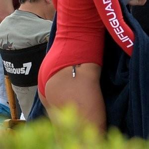 Alexandra Daddario Nude Celeb Pic sexy 020