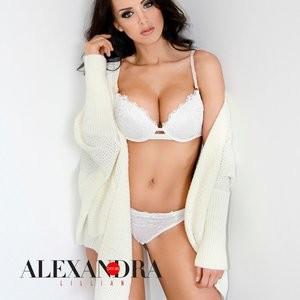 Alexandra Lillian in a sexy photoset – Celeb Nudes