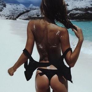 Alexis Ren Sexy Photos – Celeb Nudes