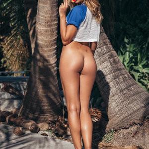 Almost Naked Sandra Kubicka Sexy Pics – Celeb Nudes