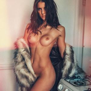 Amanda Riley Nude Photos – Celeb Nudes