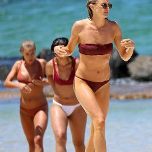 Amy Pejkovic Bikini – Celeb Nudes