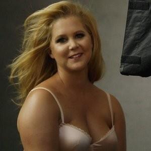 Amy Schumer Pirelli Calendar 2016 – Celeb Nudes