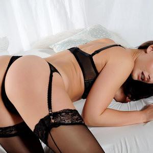 Anastasia Harris topless photoset - Celeb Nudes