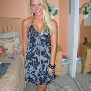 Ashlee Figg Nude Celeb Pic sexy 009