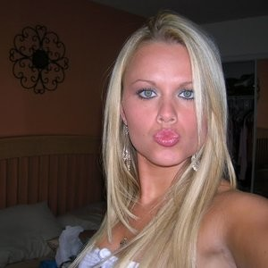 Ashlee Figg Newest Celebrity Nude sexy 011