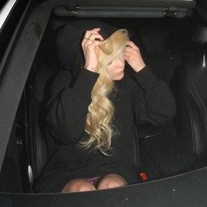 Avril Lavigne Upskirt – Celeb Nudes