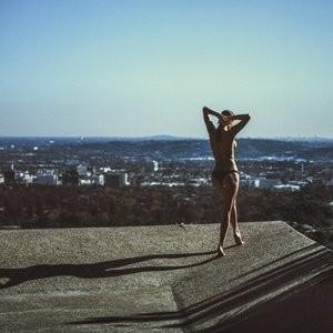 Bikini pics of Julia Lescova – Celeb Nudes
