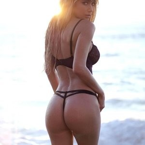 Booty photo of Sara Underwood – Celeb Nudes