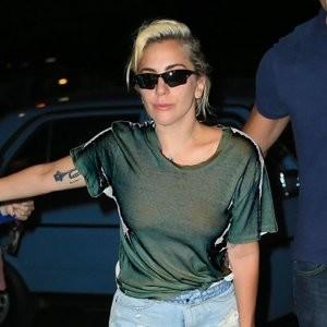 Braless Photos of Lady Gaga – Celeb Nudes