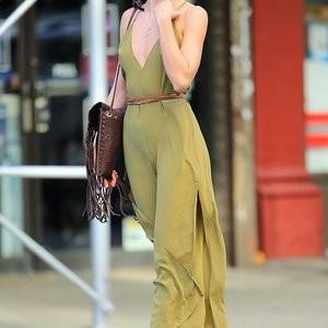 Braless pics of Candice Swanepoel – Celeb Nudes