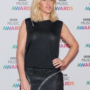 Braless pics of Ellie Goulding – Celeb Nudes