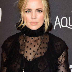 Braless pics of Melissa George – Celeb Nudes