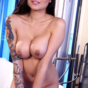 Brenna Sparks Is The Highlight Of The Night – Celeb Nudes
