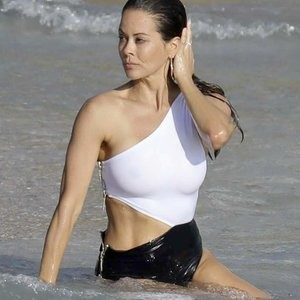 Brooke Burke is Just Chilling On The Beach – Celeb Nudes