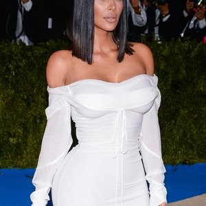 Busty Kim Kardashian in a White Dress – Celeb Nudes
