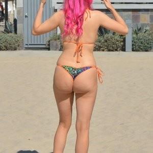 Carla & Melissa Howe Sexy – Celeb Nudes