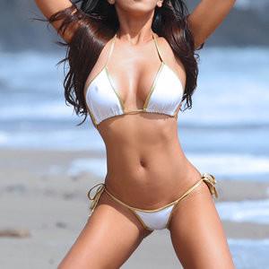 Caya Hefner bikini photoset – Celeb Nudes