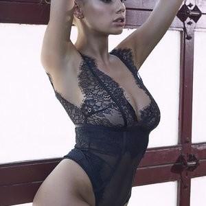 Charlotte McKinney Lingerie – Celeb Nudes