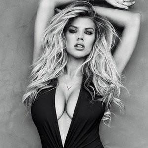 Charlotte McKinney Sexy photos - Celeb Nudes