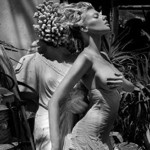 Charlotte McKinney Topless Photos – Celeb Nudes