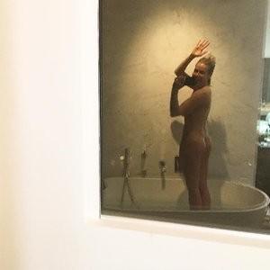 Chelsea Handler Nude Celeb Pic sexy 001