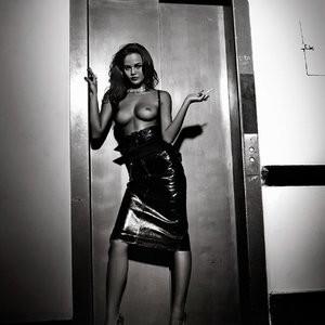 Chrissy Teigen Topless Pics – Celeb Nudes