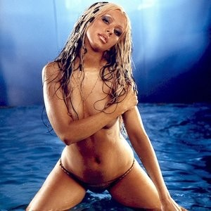 Christina Aguilera Topless Photos – Celeb Nudes