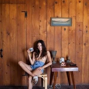 Christina Masterson Topless Pics – Celeb Nudes