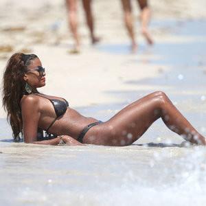 Claudia Jordan Bikini Photos – Celeb Nudes