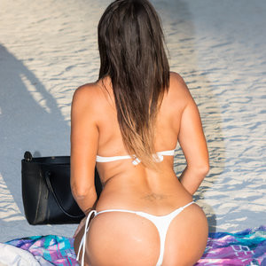 Claudia Romani Once Again Shows Her Ass – Celeb Nudes