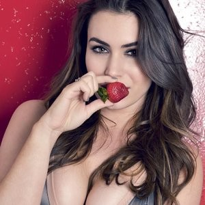 Cleavage Photo of Sophie Simmons – Celeb Nudes