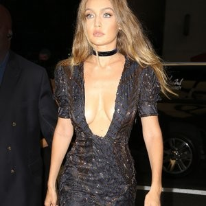 Cleavage Photos of Gigi Hadid – Celeb Nudes