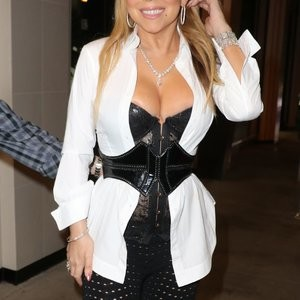 Cleavage Photos of Mariah Carey – Celeb Nudes