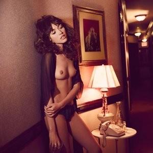 Cora Keegan Topless Photos – Celeb Nudes