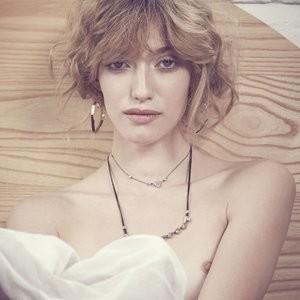 Dana Almada Topless Nude Celebrity Picture