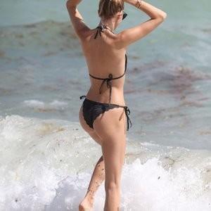 Devon Windsor Bikini – Celeb Nudes