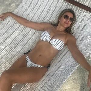 Elizabeth Hurley Bikini – Celeb Nudes