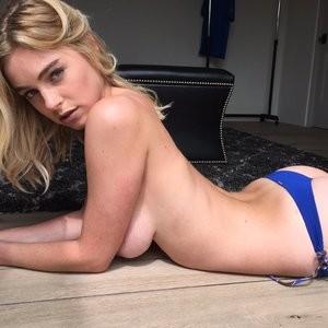 Elizabeth Turner Naked celebrity picture sexy 008