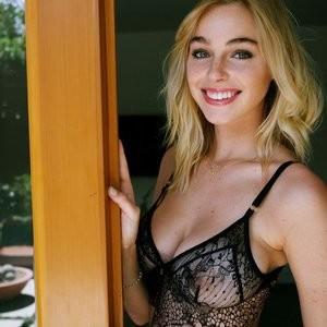 Elizabeth Turner Famous Nude sexy 060