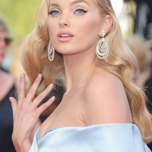 Elsa Hosk: Picture-Perfect Blonde Bombshell – Celeb Nudes