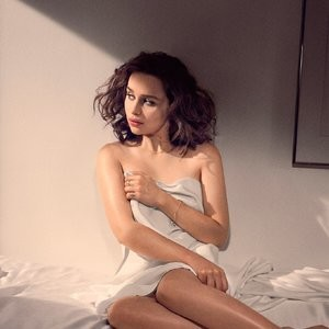 Emilia Clarke Topless Photos – Celeb Nudes