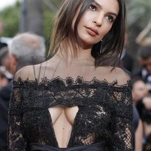 Emily Ratajkowski Makes Boob Window Dresses Stylish – Celeb Nudes