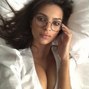 Emily Ratajkowski Sexy – Celeb Nudes