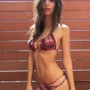 Emily Ratajkowski Sexy Photos – Celeb Nudes