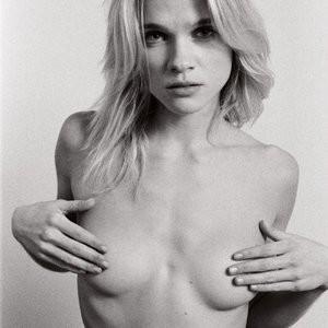 Eva Biechy Topless Photos – Celeb Nudes