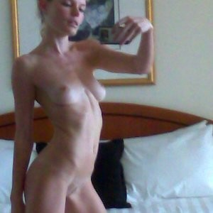 Amber Heard Naked celebrity picture sexy 005